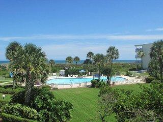 Ocean View With 3 Bedrooms 2 Bathrooms 2211