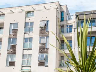 6 THE POINT, open-plan, balconies, near Newquay, 989783