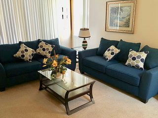 Lounge with 2 sofa beds