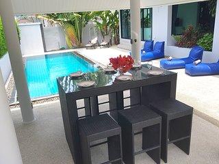 Villa TEHOTU avec piscine privée à LAMAI, à proximité des plages