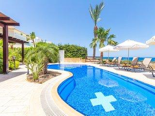 Villa Sea holly