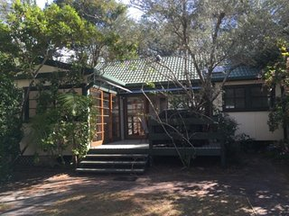 KING PARROT COTTAGE - PEARL BEACH
