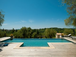 "EXEPTIONAL INTERIOR DESIGNED PROPERTY ""BRAMAFAM"" Cannes/Valbonne pool heated"