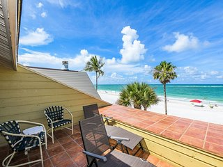 2 Bedroom Beachfront Home on Siesta Beach!! Directly on the beach!! 47 Beach Rd