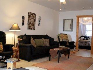 Serengeti Cottage  – 2 Bedroom (sleeps 6 people)