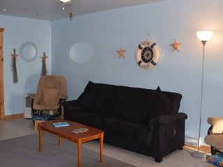 Under-The-Sea Cottage  – 2 Bedroom (sleeps 6 people)