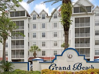 Relax In Comfort At Grand Beach!