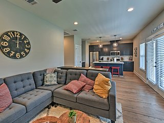 NEW! Updated College Station Apt-Walk to Texas A&M
