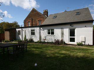 KT130 Apartment situated in Heacham