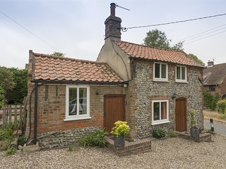 KT055 Cottage situated in Lower Southrepps