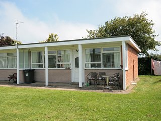 KT153 Bungalow situated in Mundesley