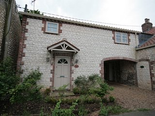 KT104 Cottage situated in Thornham