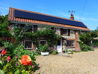 KT196 Cottage situated in Brancaster
