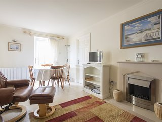 KT061 Apartment situated in Burnham Overy Staithe