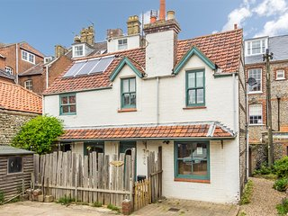KT049 Cottage situated in Cromer
