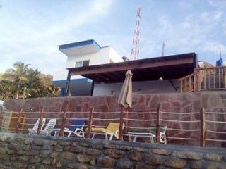 Hermosa casa frente al mar en Punta Sal
