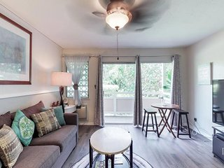 NEW LISTING! Newly remodeled private unit with A/C, shared pool, hot tubs, grill