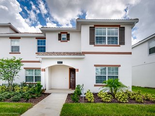 Luxury Champions Gate 5 Bedroom 4 Bathroom  8917s