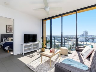 Amazing View! 2 Bed+FREE PARKNG | Fortitude Valley QFV010-13