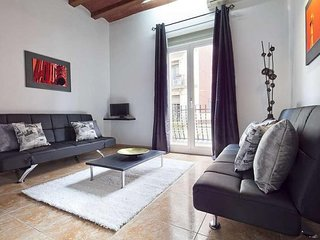 BHM1-050 Chic apartment in Eixample with a contemporary Scandinavian design