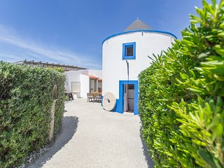 Azoia Villa Sleeps 15 with Pool - 5666538