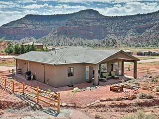NEW! Kanab Home w/Resort Amenities-Drive to Zion!