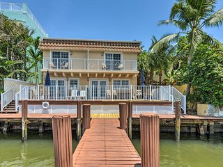 NEW! Waterfront Hollywood House on Intracoastal!