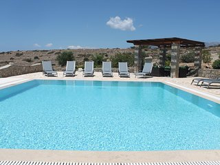 VILLA LAGADA, sea view, infinity pool