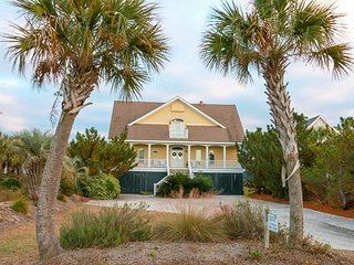 Ocean Front Charmer, Affordable 7 BD, 5 BA, Huge Screen Porch