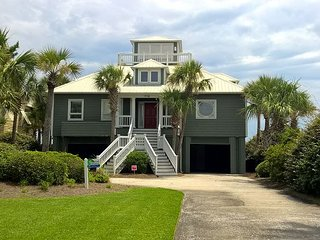 Belle Villa on Isle of Palms~OCEAN FRONT, View Deck, Direct Beach Access