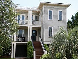 Carolina Dream on Isle of Palms ~ OCEAN VIEWS, Private Pool, Decks & Elevator