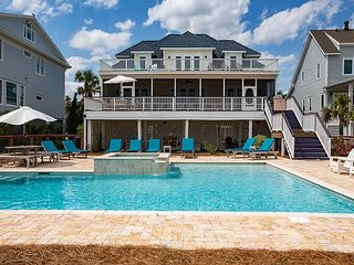 Bella Vista on Isle of Palms ~ OCEAN FRONT, Private Pool & Spa, Elevator