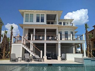 Lands End on Isle of Palms ~ OCEAN FRONT, Private Pool & Beach Access, Elev