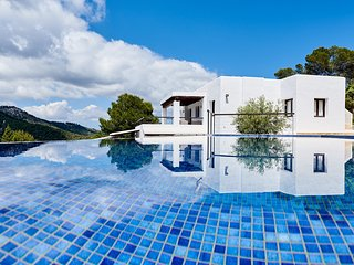 Casa Kiva: A contemporary luxury villa in a beautiful protected area in Ibiza