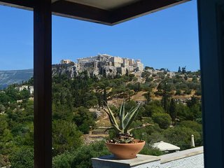 Lovely studio in Thissio - Athens with breathtaking Acropolis view