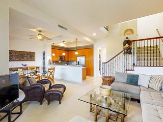 NEW LISTING! Updated condo w/ shared hot tub & pool plus patio w/ ocean views