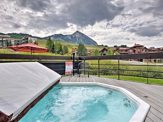 Crested Butte Condo w/Hot Tub - Walk to Ski Slopes