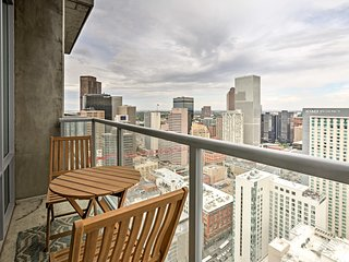 NEW! Denver Condo w/ Pool, Hot Tub + Club Room!