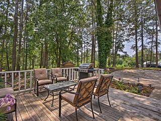 NEW! Idyllic 12-Acre ******* House by Lake Lanier!
