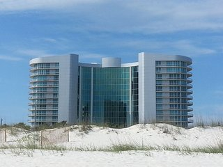 Bella Luna 202 - Gorgeous 3 Bedroom 3 Bath Condo - New Owners!!