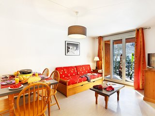 Great Location! Cozy + Bright Mountain Apartment
