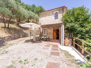 2 bedroom Apartment in Marlia, Tuscany, Italy - 5696999