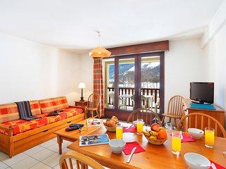 Bright + Cozy Apartment on the Lake   Sauna Access!
