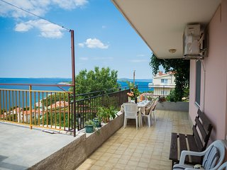 Baselovici Apartment Sleeps 4 with Air Con and WiFi - 5466058
