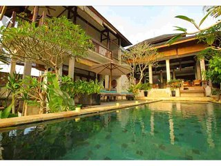 Villa Cella Bella - Lux Ubud Villa w/ jungle valley cliff river views