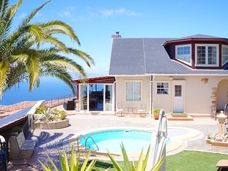 Great Villa for 4p., private heated pool, Jacuzzi, Sauna, 9min. from the beach