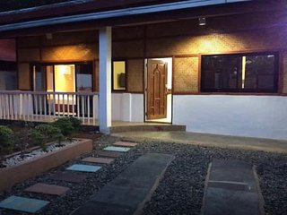 Stay and Relax at Palawan Vacation House