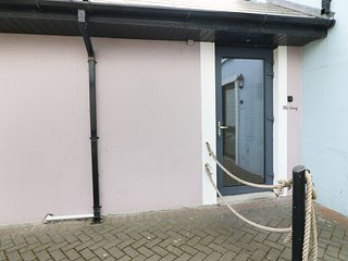 THE SNUG, studio apartment, in Ardfert