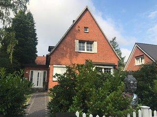 Blankenese,Luxus Villa, mit Sauna, Garten, Carport, Voll Ausstattung,Nobel Area