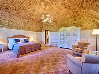 Castello Grand Suite - Villa Sant'Anastasio Luxury Argirurismo
